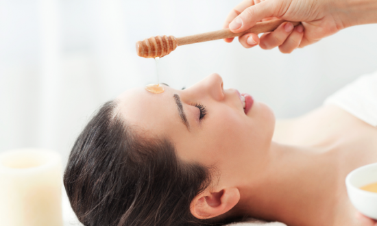 9 Ways Honey Benefits Your Skin, Nails, and Hair