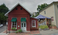 Small Virginia Town Struggles After Local Restaurant Refused to Serve Trump Press Secretary