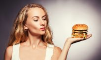 Eating Junk Food Raises Cancer Risk, Even for Slim Women