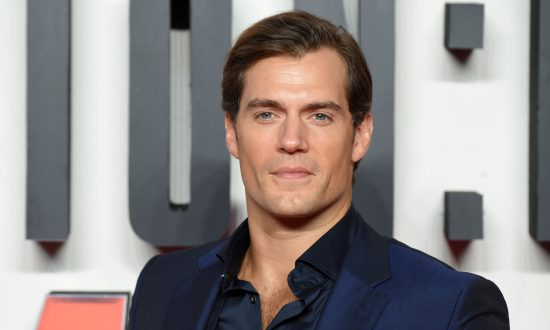 Fans Divided Over Henry Cavill Casting in Netflix's New Series 'The Witcher'