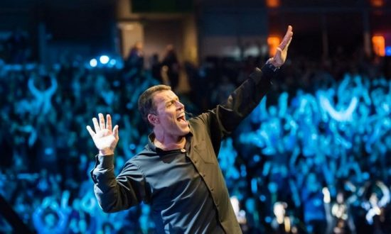 Power of Success: Tony Robbins to Appear in Toronto, Ottawa
