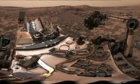 Curiosity Rover Sends 'Selfie' From Mars