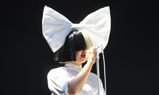 Singer Sia's 8-year Sobriety Commemoration Echoed by Fans and Followers