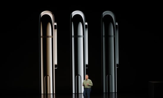 Apple Unveils Larger iPhones, Health-Oriented Watches
