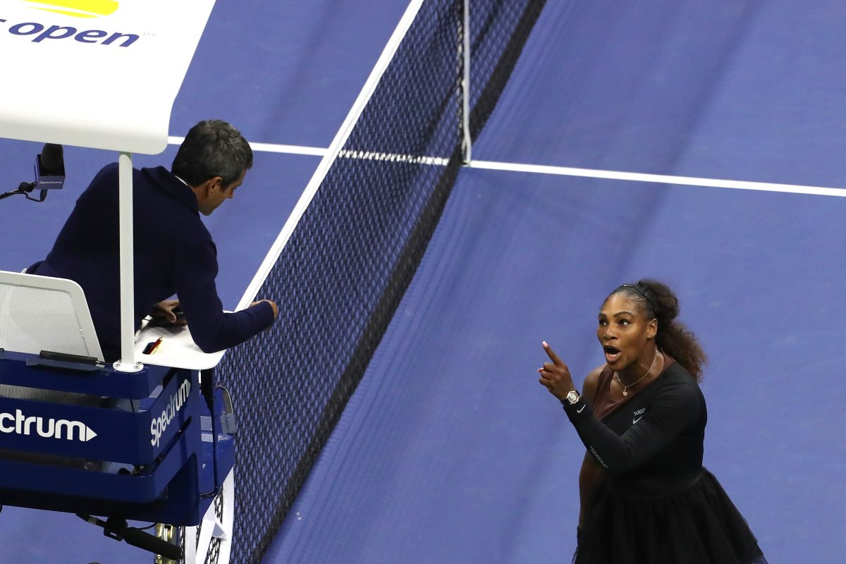 Serena Williams yells at umpire