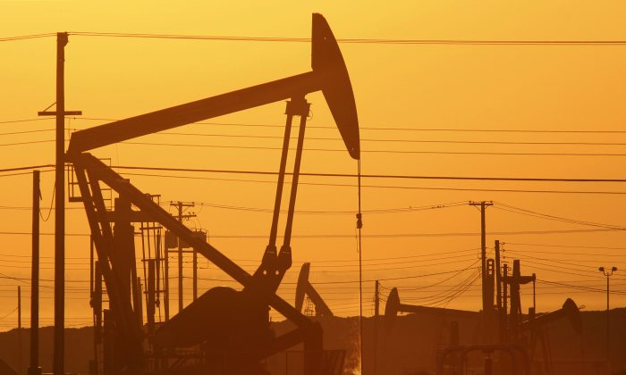 An oil field near Lost Hills, Calif., on March 24, 2014. (David McNew/Getty Images)