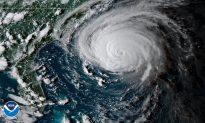 Hurricane Florence Makes Landfall as North Carolina Police Chief Predicts 'Biblical Proportion Flood'