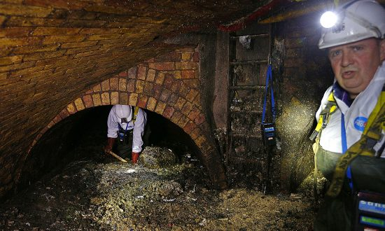 19-Ton, 100-Foot-Long 'Fatberg' Clogs Michigan Sewer