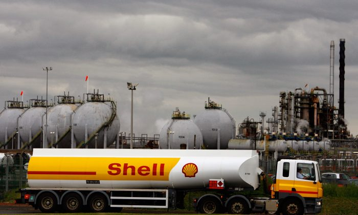 A Shell oil tanker. (Jeff J Mitchell/Getty Images)