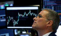 Global Stocks Rise Amid New Tariffs, Dollar Gains