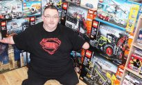 Man Born With No Hands Constructs Incredible Lego Models