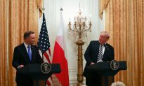 US to Consider Putting Military Base in Poland, Trump Tells Polish President