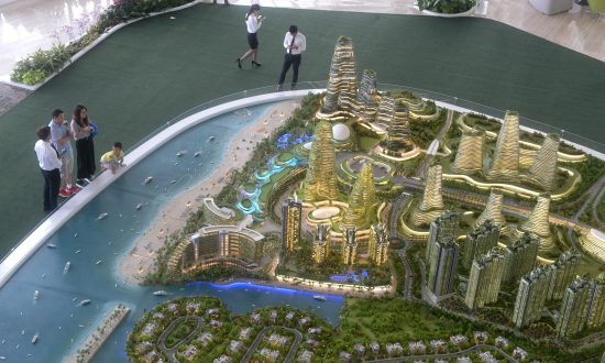 Malaysia May Limit Foreign Residents in $100B Development Near Singapore