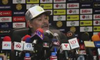 Mexicans Welcome Soccer Legend Maradona with Mixed Feelings