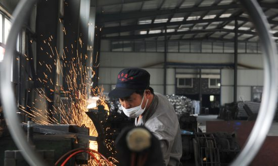 China Could Repeat 2015's Economic Shock, Report Finds