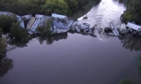 Cargo Train Derails on Iowa River