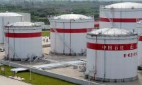 China's Sinopec Halves Iran Oil Loadings Under US Pressure