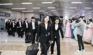 Shen Yun Symphony Orchestra Arrives in South Korea
