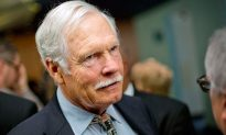 Ted Turner Says CNN Needs 'a more balanced agenda'