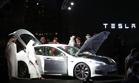Who Drives Electric Cars In Dubai The Government And The Rich