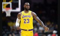 LeBron James Makes His Lakers Preseason Debut