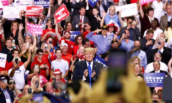 In Photos: Trump Rally in Southhaven, Mississippi