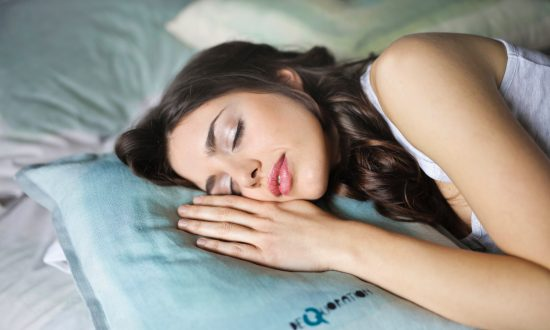 How to Fall Asleep in 10, 60, or 120 Seconds