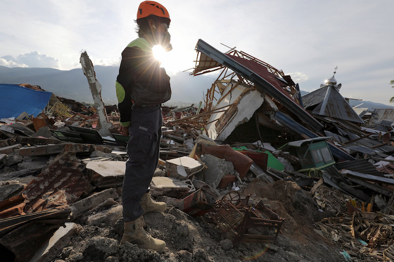 Death toll from Indonesian quake and tsunami revised to 1763
