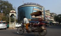 Worst Week in Two Years Has India Stock Investors Taking Cover