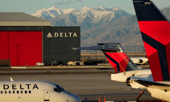 Delta Profit Tops Estimates as Cost Controls Help Offset Fuel Surge