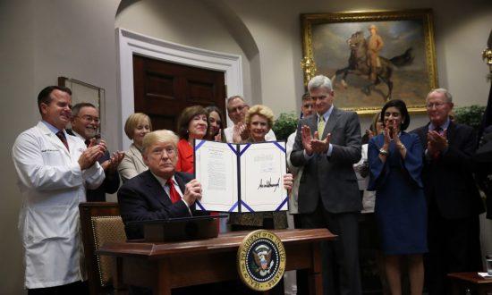 Trump Signs Bills to Eliminate Pharmacy Gag Orders