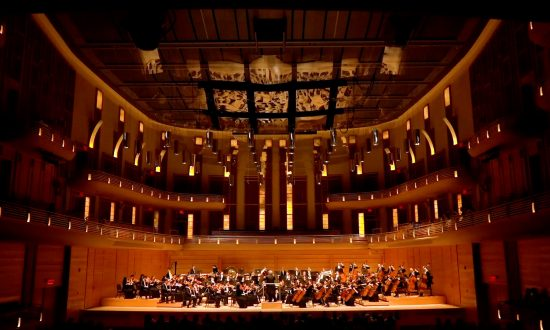 Bethesda Audience Amazed by the Vivid Storytelling of Shen Yun Symphony Orchestra