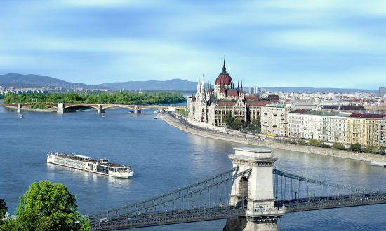 Riverboat Cruise to Beautiful Budapest