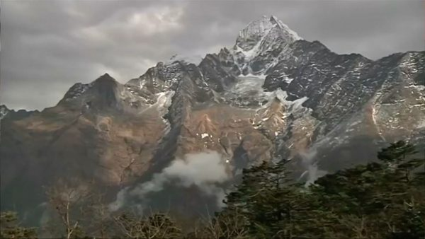 South Koreans, Nepalis among seven climbers killed in Himalayas, two missing