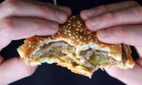 'Do Not Serve This Man': Personal Trainer Bans Obese Client From Fast Food Stores