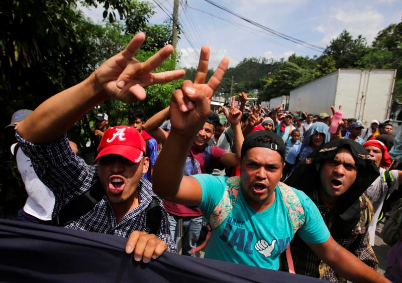 Migrant caravan takes a break in southern Mexico