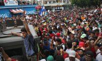 Migrant Caravan Swells to 5,000, Resumes March Toward US