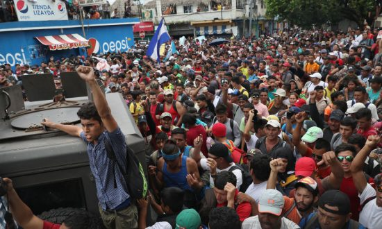 Migrant Caravan Swells to 5,000, Resumes March Towards US: Reports