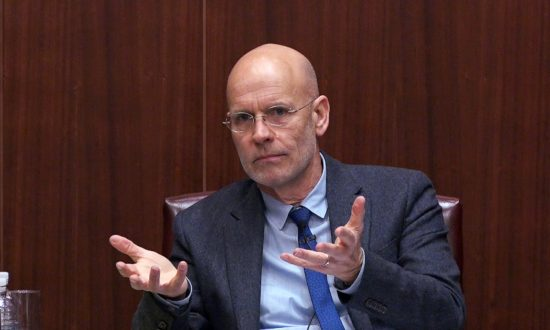 """Clive Hamilton, author of """"Silent Invasion,"""" speaks at the Center for Strategic and International Studies in """"A Conversation on Chinese Influence in Australia and Beyond"""" in Washington on Oct. 18, 2018. (Wu Wei/Epoch Times)"""