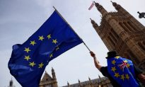 Hundreds of Thousands March for Second Brexit Referendum