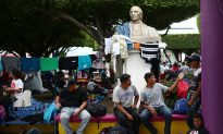 2,000 Migrants Vow to Re-Form Caravan and Push North