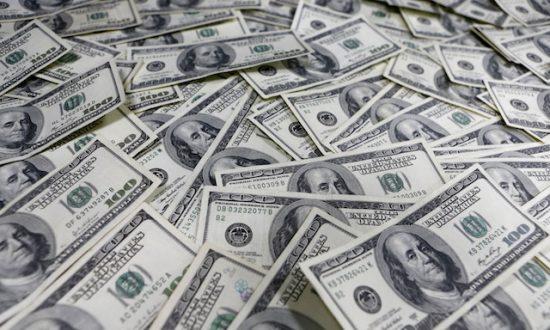When Strangers Spill Their Financial Secrets