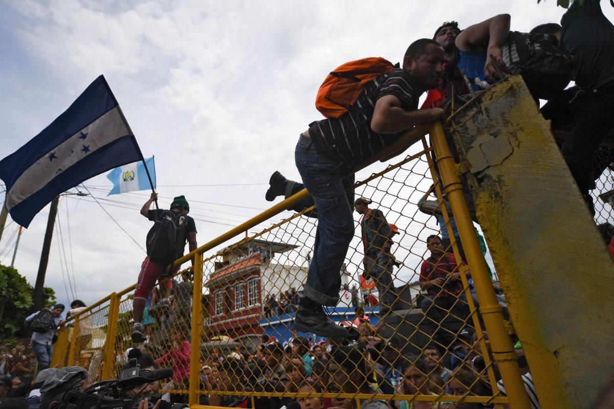 migrant caravan includes criminals