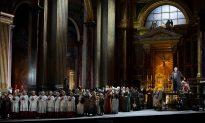 Soprano Sondra Radvanovsky Brings Down the House as Tosca