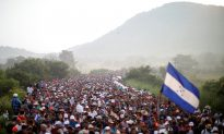 Reports: 5,000 Troops to Deploy to US-Mexico Border to Stop Migrant Caravan