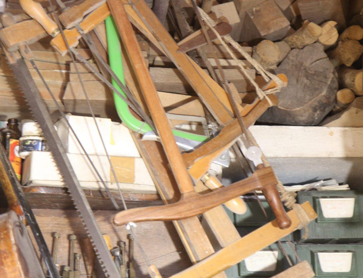 Traditional violin hand saws