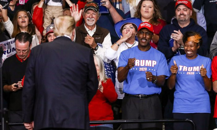 Trump_Maga_Rally_in_North_Carolina_510A7