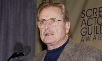 Actor William Daniels Stops a Burglar From Invading His Home