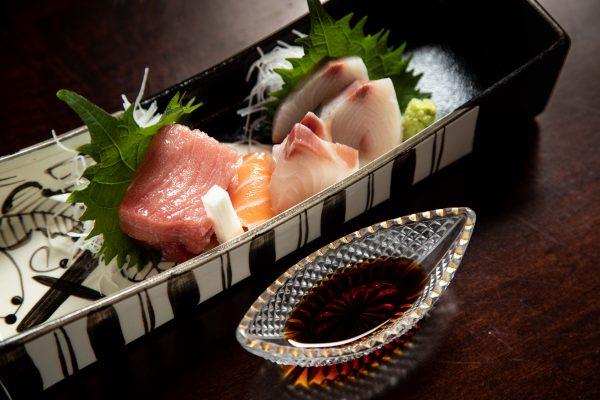 Assorted seasonal sashimi. (Samira Bouaou/The Epoch Times)