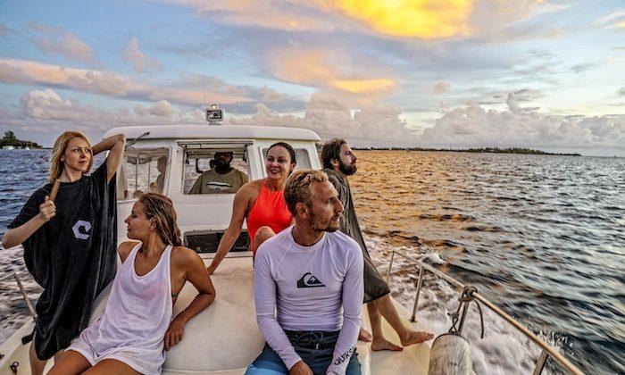 The Sunset Holidays group heads ashore at sunset. (Tania Elisarieva)